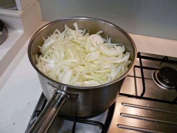 【食譜】為在意的人所做的奇蹟湯品:法式焗烤洋蔥湯