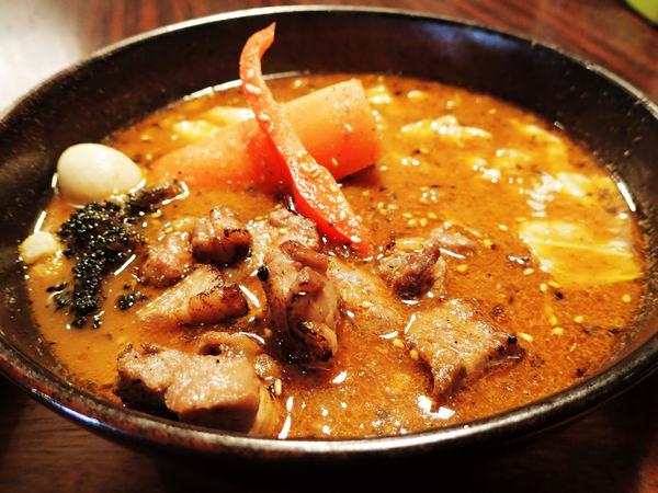 【札幌美食】GARAKU湯咖哩,中午開店5分鐘就客滿的名店!