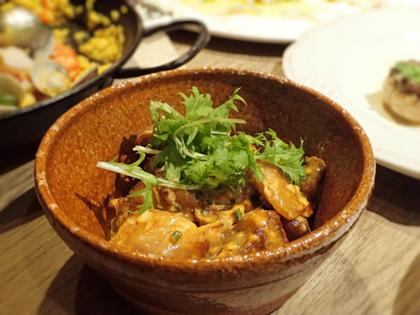 【台北西班牙餐廳】Tapas J,進擊的伊比利豬三部曲,體驗西班牙小酒館的隨興吃大口喝