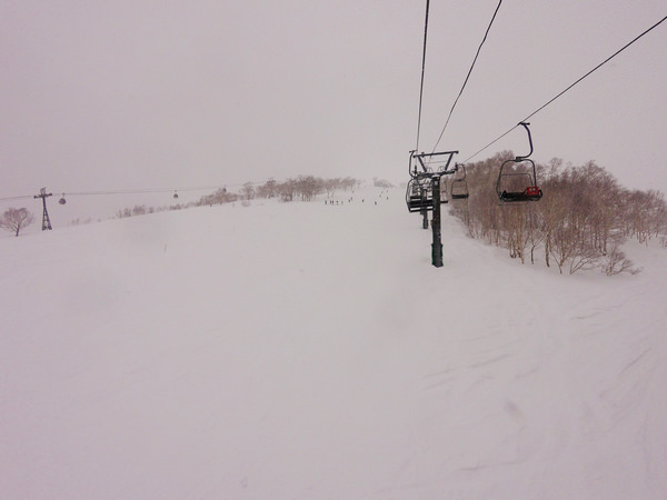 北海道.二世谷滑雪場介紹之2:到Annupuri國際滑雪場泡湯吃燒肉