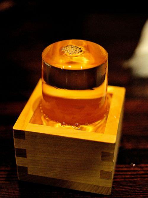日本苗場滑雪記行之2:越後湯澤篇,得過諾貝爾文學獎的雪景-清酒