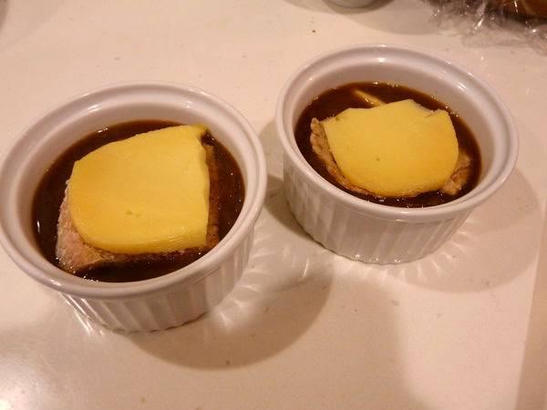 【家有大廚】冬季必嚐美味湯品-經典法式洋蔥湯