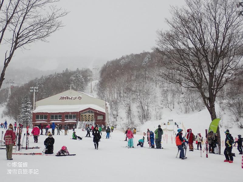 北海道︱札幌國際滑雪場︱新手體驗中文教學、雪上電梯(魔毯)