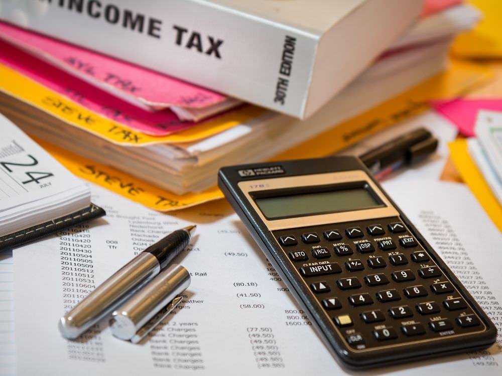 匯豐旅人卡|任選20家里程兌換或現金回饋,繳稅1%現金回饋