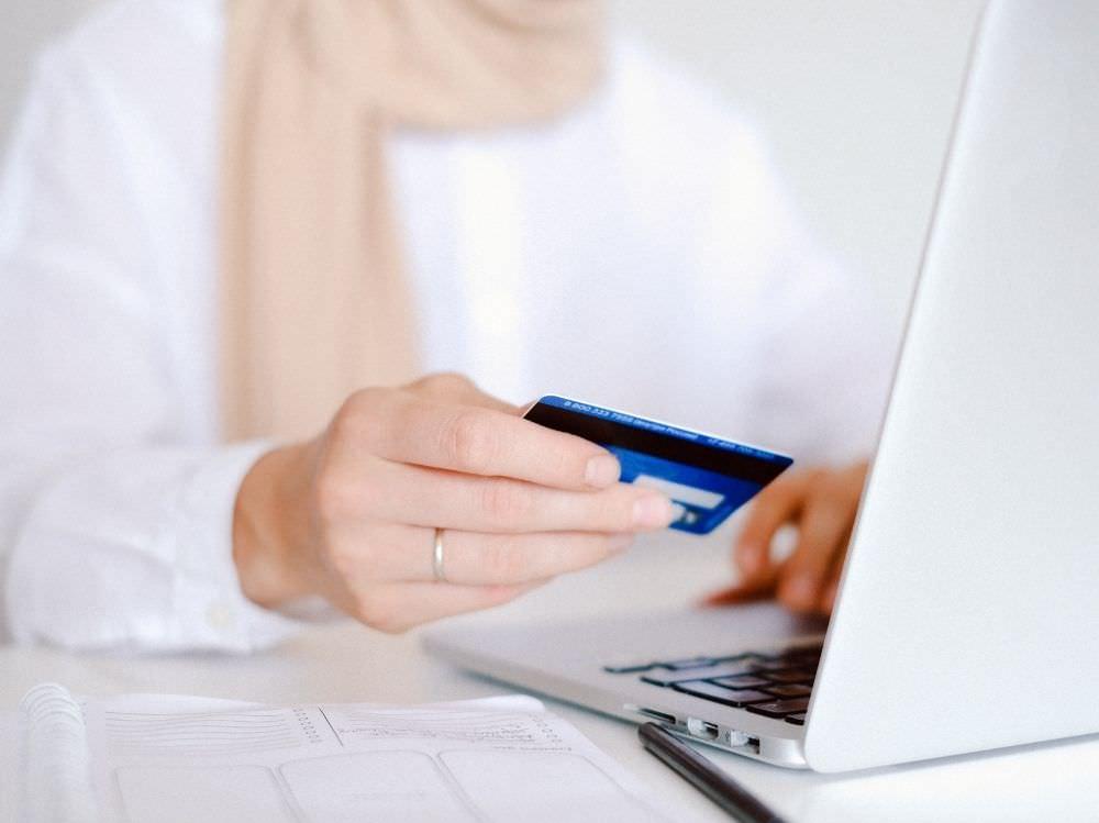 2021現金回饋信用卡推薦-凱基魔Buy悠遊鈦金卡、滙豐匯鑽卡、花旗現金回饋PLUS卡 超級比一比