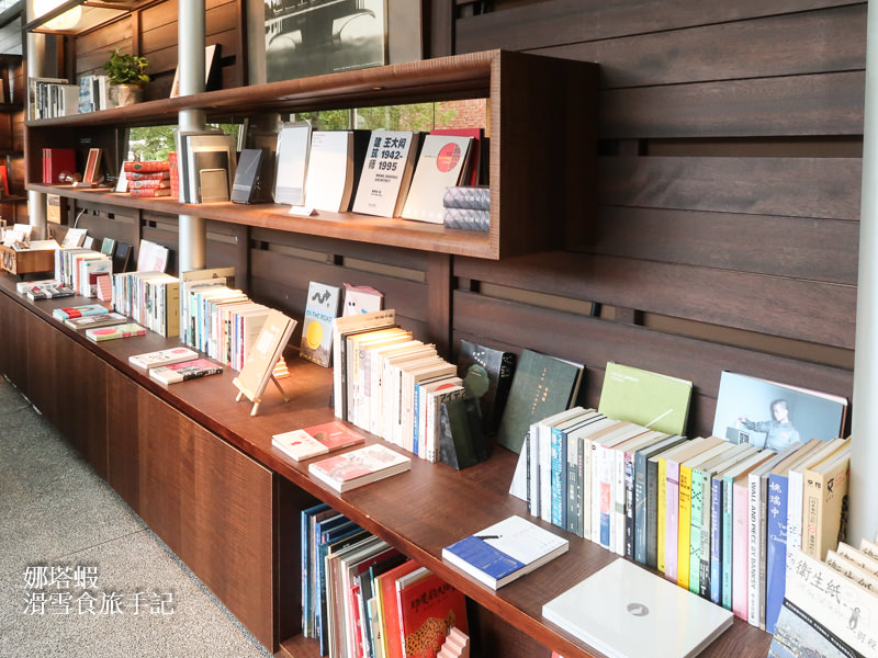 「王大閎書軒DH Café」北美館旁的玻璃書屋咖啡