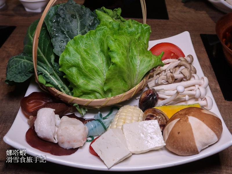 冬天就要「萊點鍋」!健康養生火鍋~金線蓮雞湯、麻辣牛肉好湯頭